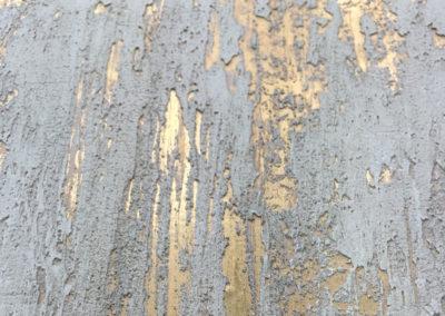 Metallic textured surface